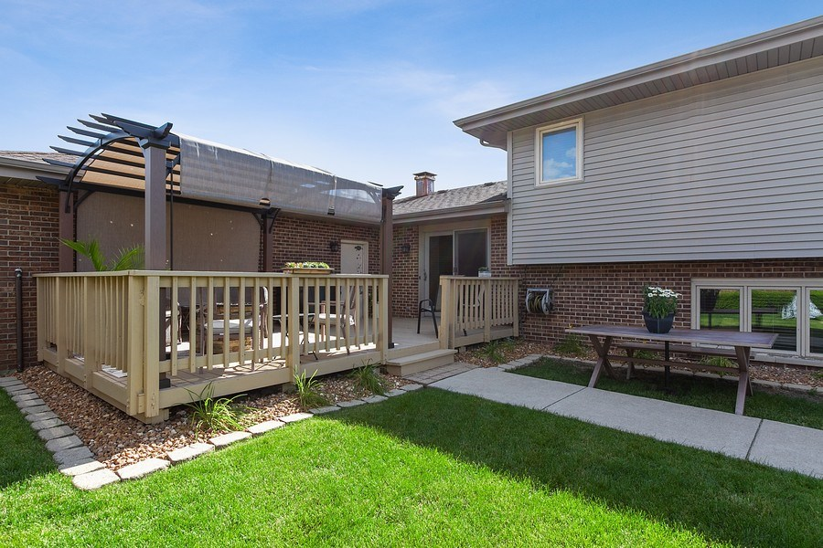 Real Estate Photography - 8124 Tudor Lane, Tinley Park, IL, 60477 -