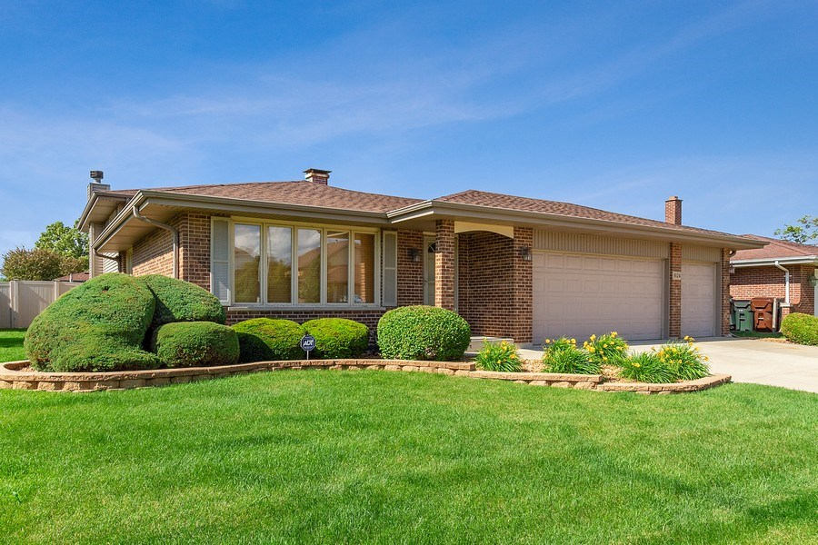Real Estate Photography - 8124 Tudor Lane, Tinley Park, IL, 60477 - Front View