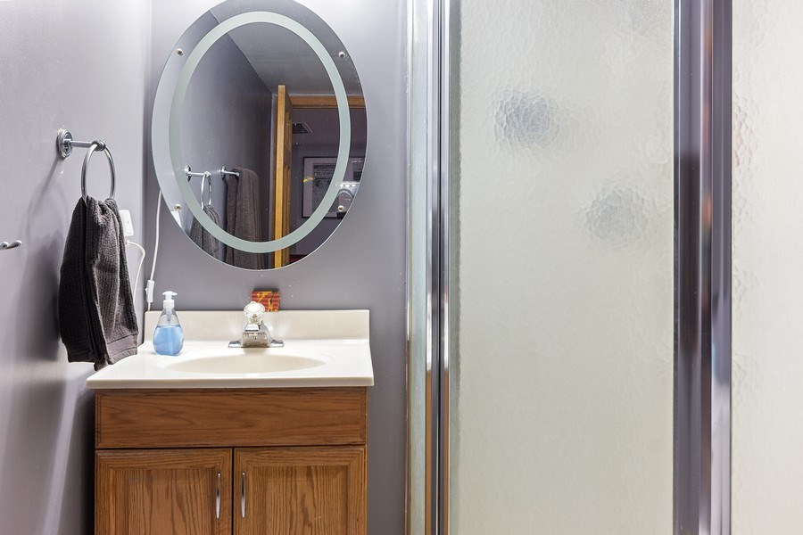 Real Estate Photography - 4414 W. Ole Farm Rd, Plainfield, IL, 60586 - 2nd Bathroom