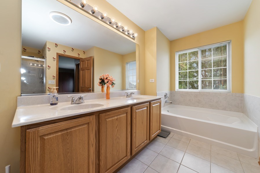 Real Estate Photography - 640 Canterbury, Pingree Grove, IL, 60140 - Master Bathroom