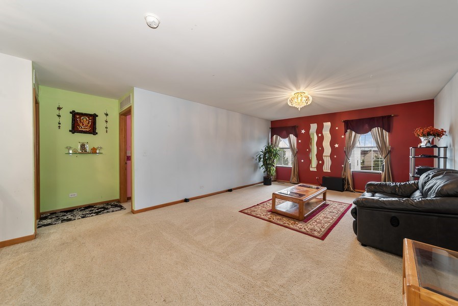 Real Estate Photography - 640 Canterbury, Pingree Grove, IL, 60140 - Loft