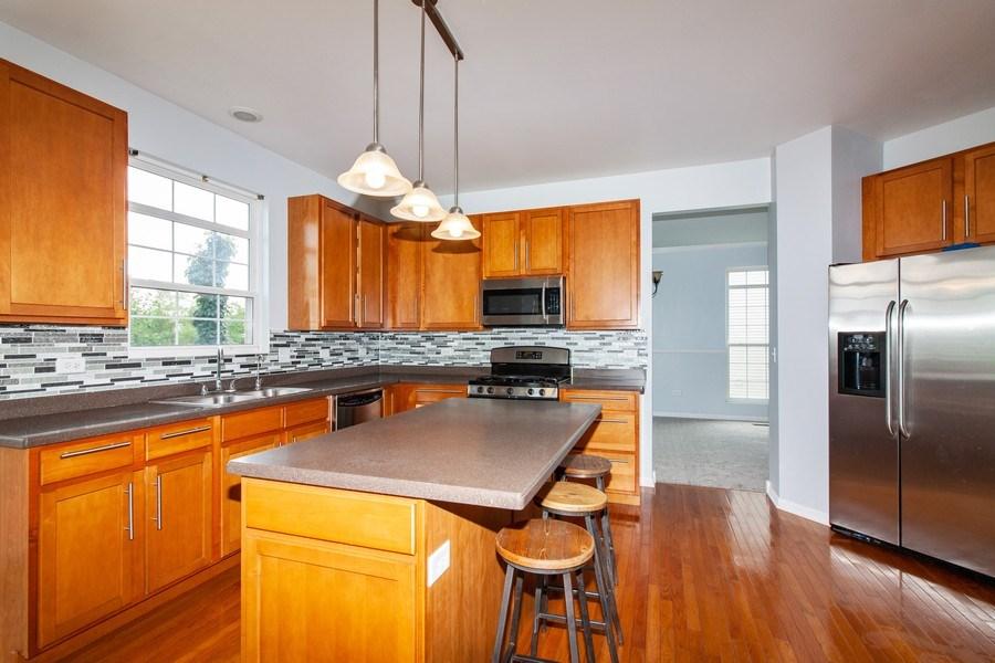 Real Estate Photography - 348 Stonegate, Bolingbrook, IL, 60440 - Kitchen