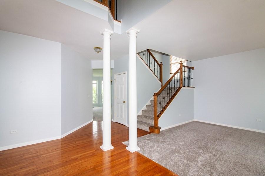 Real Estate Photography - 348 Stonegate, Bolingbrook, IL, 60440 - Foyer