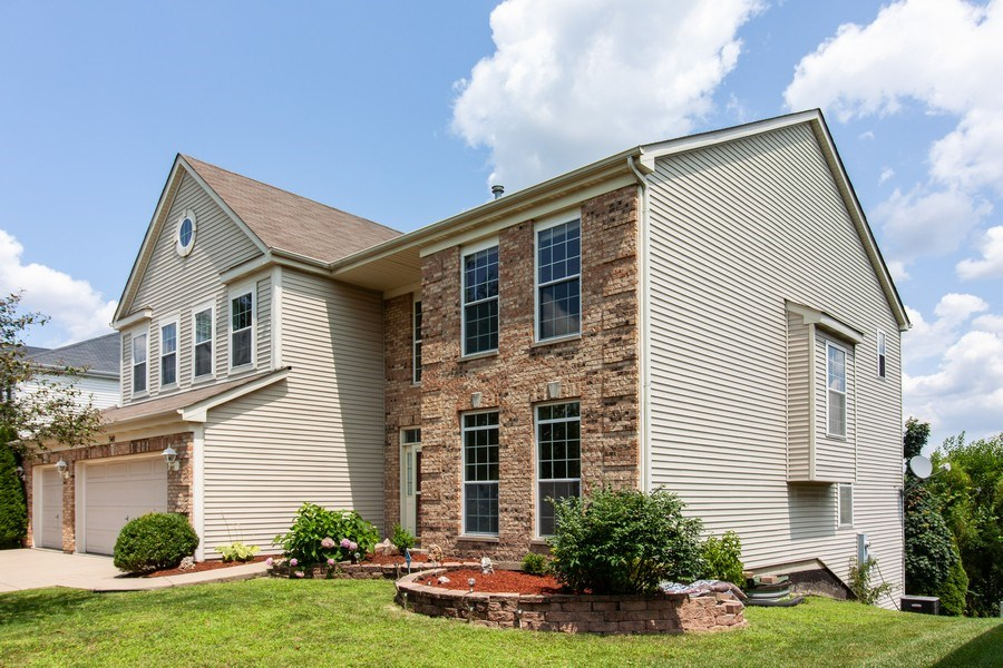 Real Estate Photography - 348 Stonegate, Bolingbrook, IL, 60440 - Front View