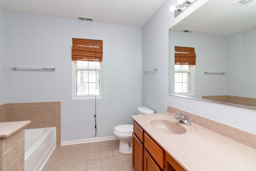 Real Estate Photography - 348 Stonegate, Bolingbrook, IL, 60440 - Bathroom