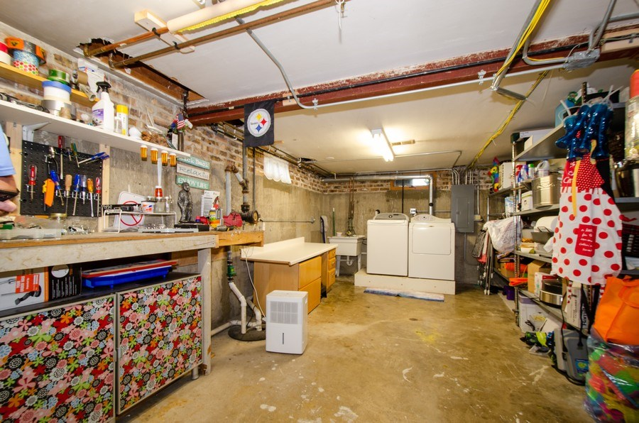 Real Estate Photography - 1025 Kent, Park Ridge, IL, 60068 - Laundry Room