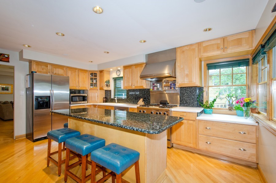 Real Estate Photography - 1025 Kent, Park Ridge, IL, 60068 - Kitchen