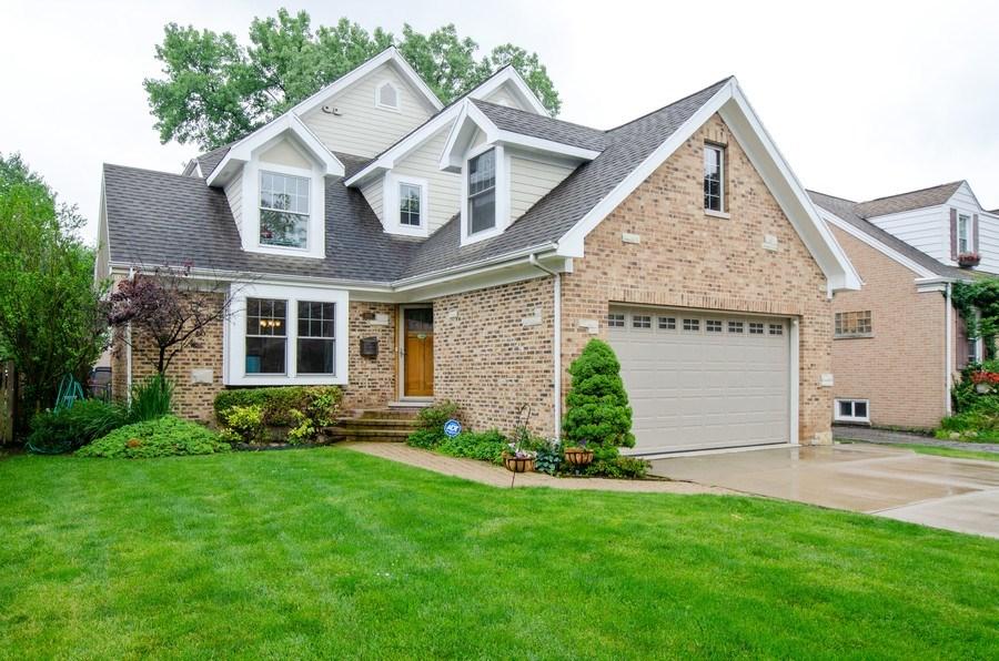 Real Estate Photography - 1025 Kent, Park Ridge, IL, 60068 - Front View