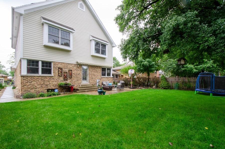 Real Estate Photography - 1025 Kent, Park Ridge, IL, 60068 - Rear View