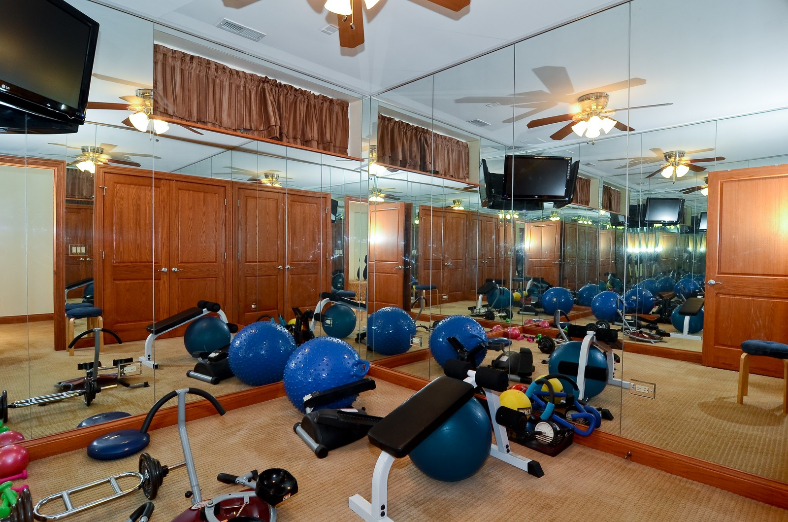 Real Estate Photography - 1443 S. Emerald, Chicago, IL, 60607 - Exercise Room