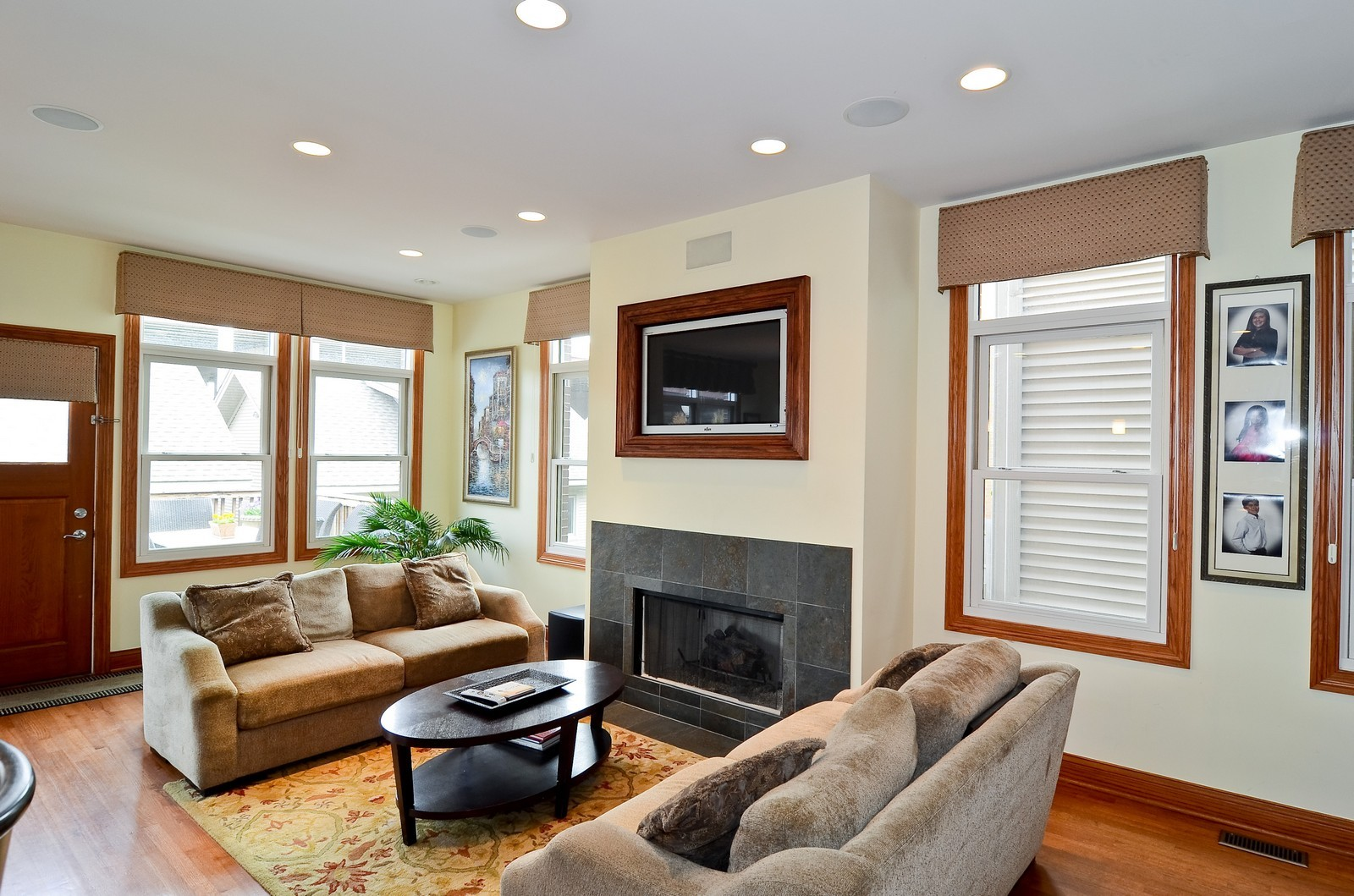 Real Estate Photography - 1443 S. Emerald, Chicago, IL, 60607 - Great Room