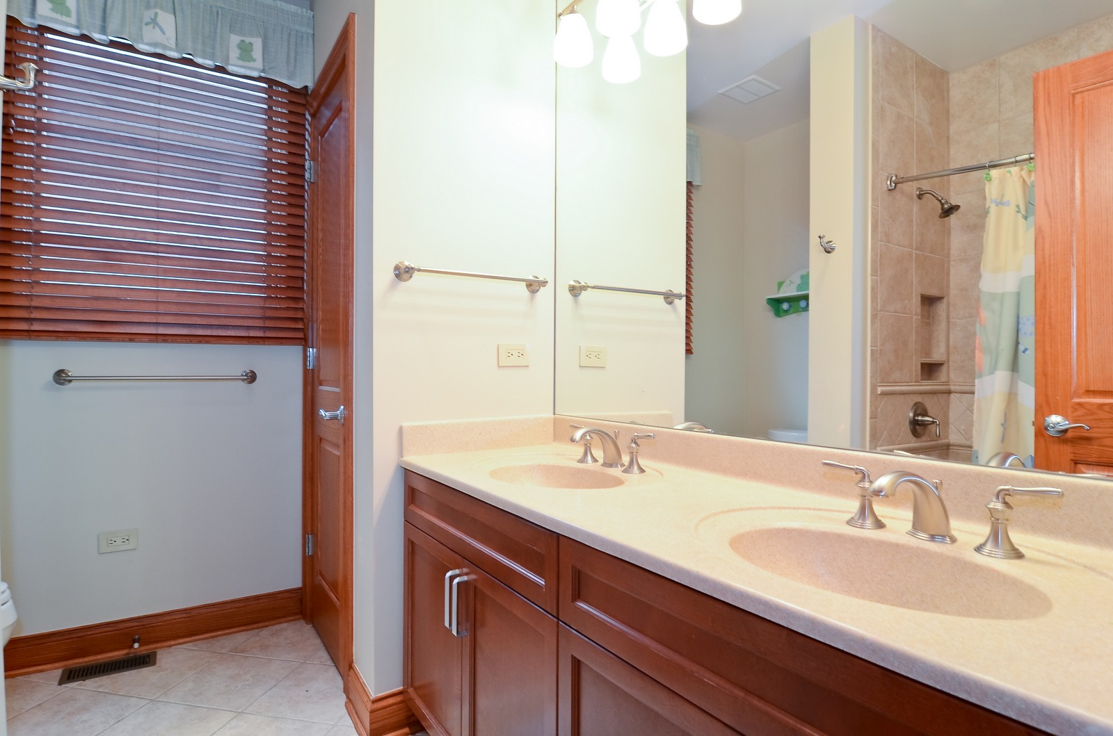 Real Estate Photography - 1443 S. Emerald, Chicago, IL, 60607 - 2nd Bathroom