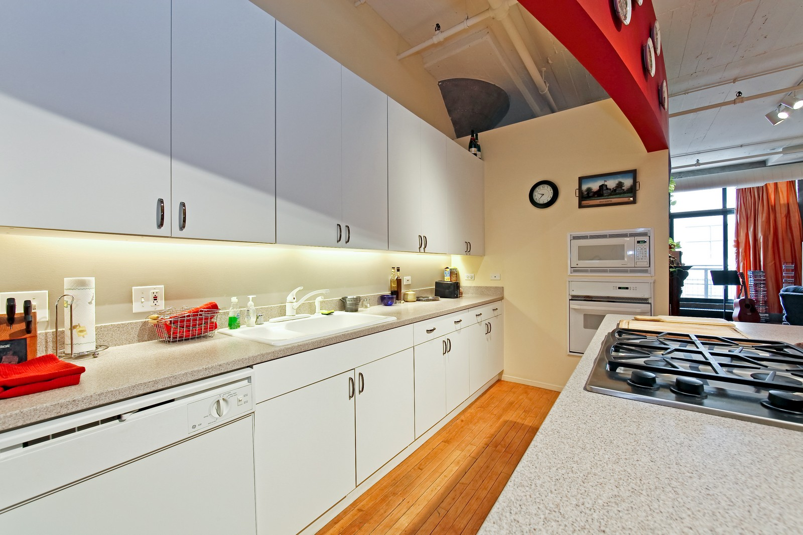 Real Estate Photography - 728 W. Jackson, 405, Chicago, IL, 60661 - Kitchen