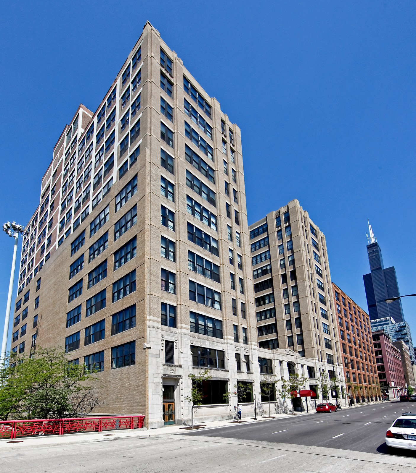 Real Estate Photography - 728 W. Jackson, 405, Chicago, IL, 60661 - Front View