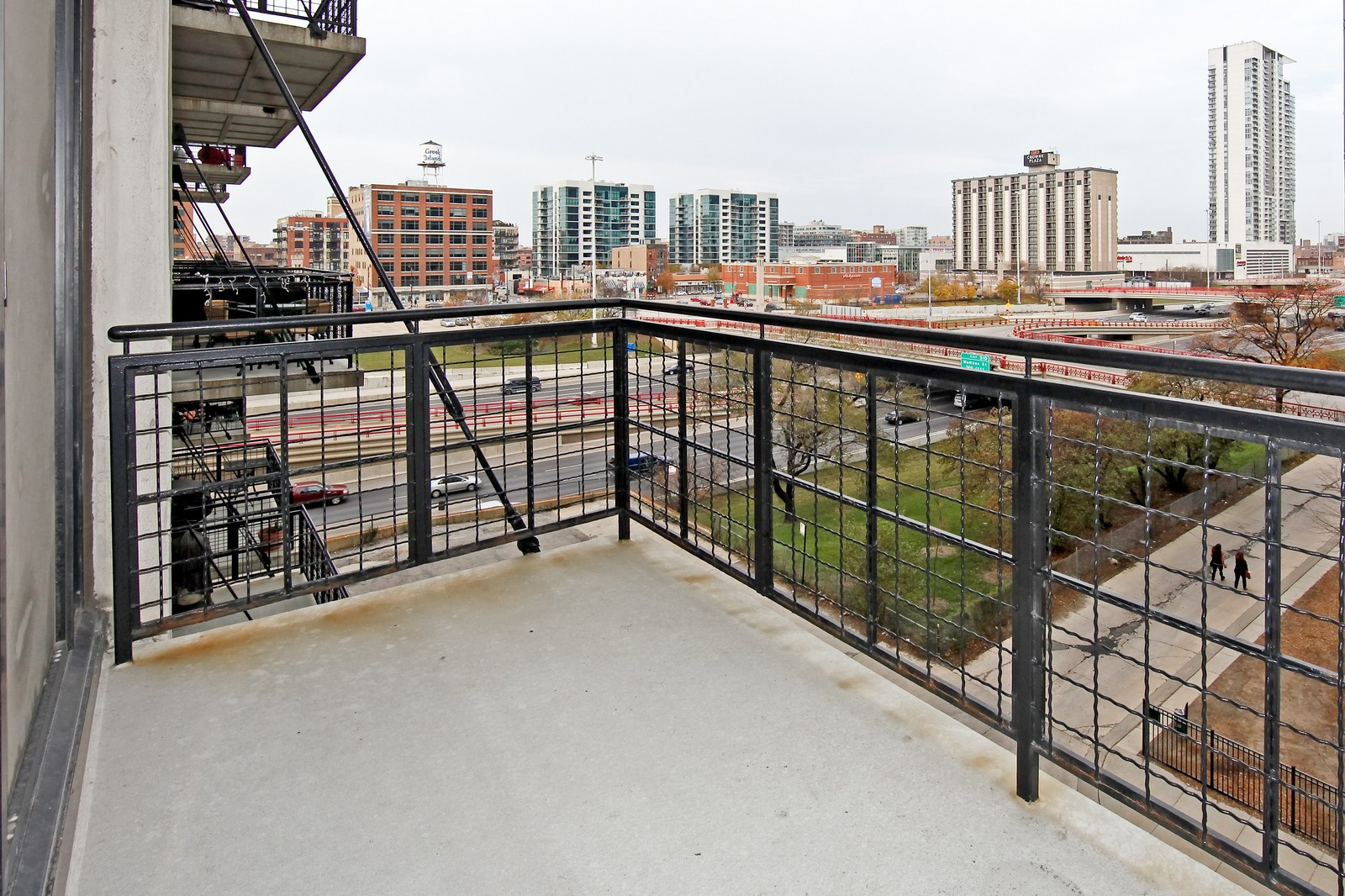 Real Estate Photography - 728 W. Jackson, 405, Chicago, IL, 60661 - Balcony