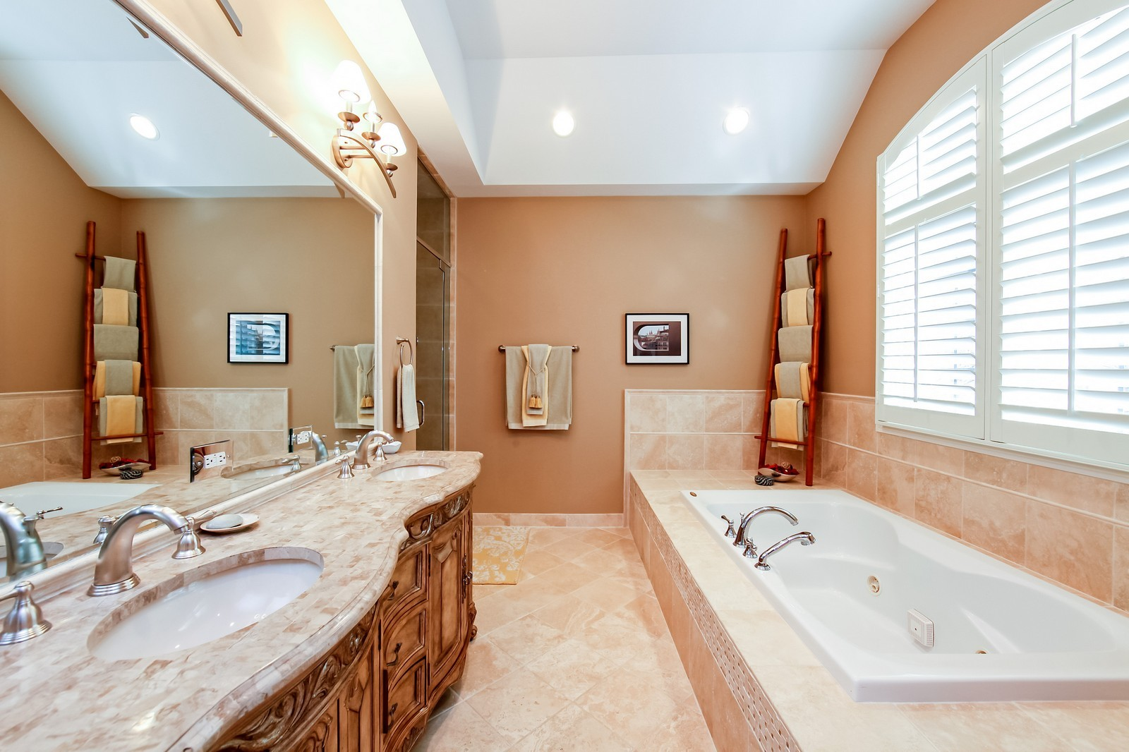 Real Estate Photography - 230 Franklin, Glencoe, IL, 60022 - Master Bathroom