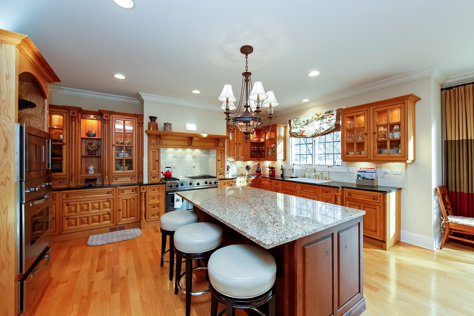 Real Estate Photography - 230 Franklin, Glencoe, IL, 60022 - Kitchen