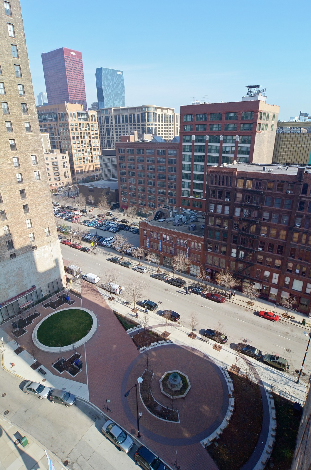 Real Estate Photography - 740 S Federal, 1101, Chicago, IL, 60605 - Park and East view