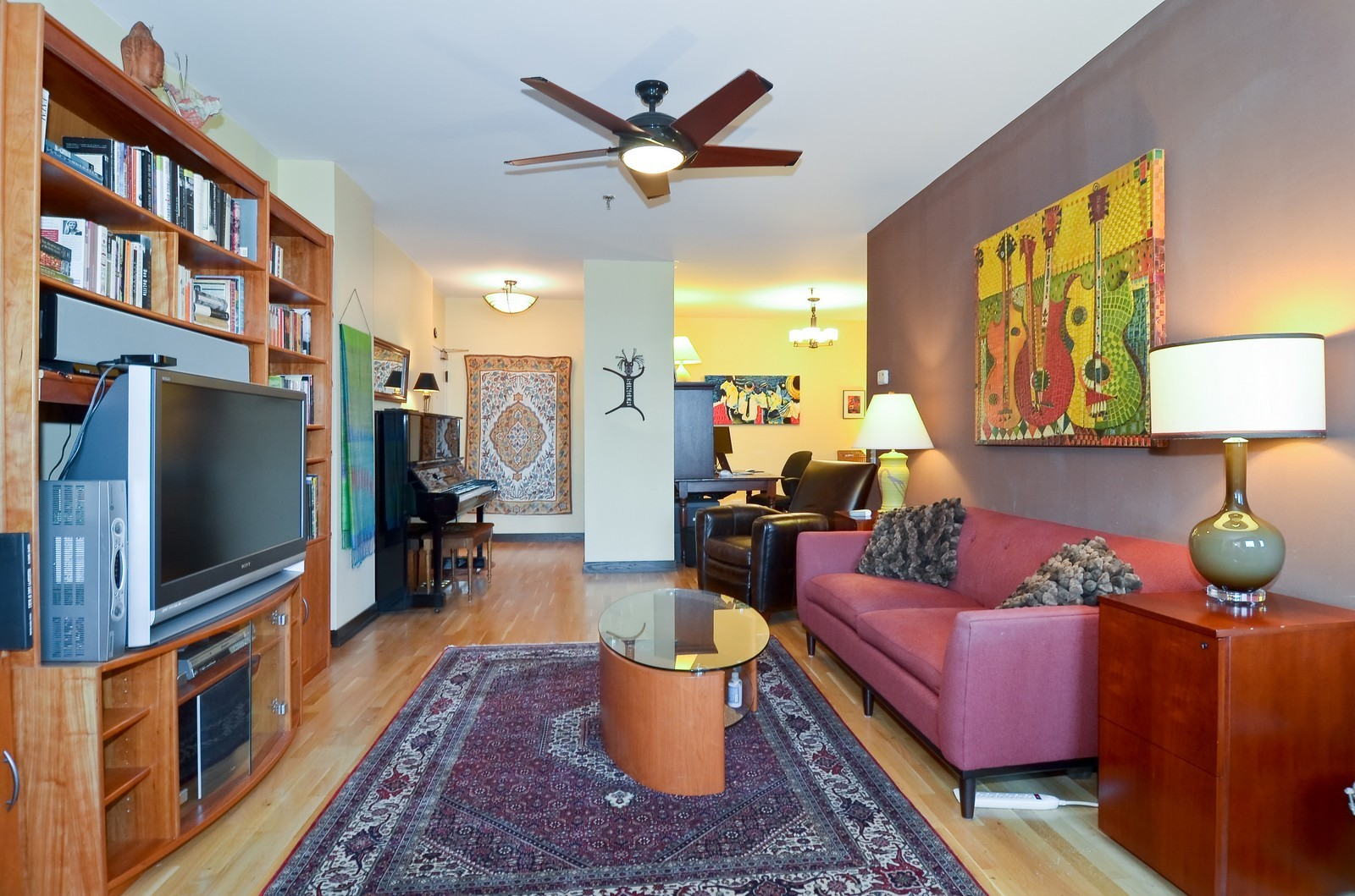 Real Estate Photography - 740 S Federal, 1101, Chicago, IL, 60605 - Living Room