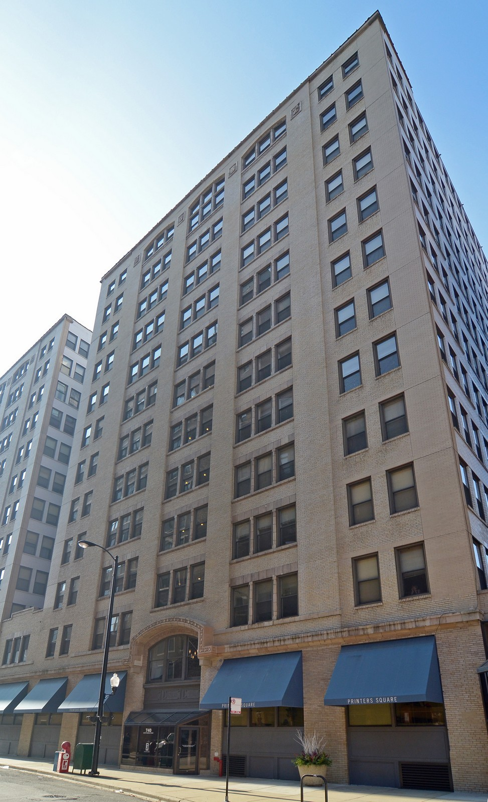 Real Estate Photography - 740 S Federal, 1101, Chicago, IL, 60605 - Front View