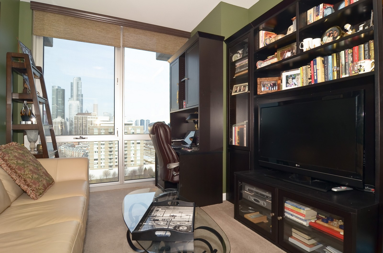 Real Estate Photography - 1629 S. Prairie, 1401, Chicago, IL, 60616 - 2nd Bedroom