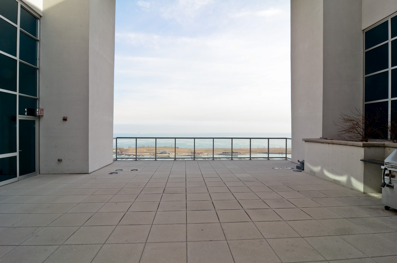 Real Estate Photography - 1629 S. Prairie, 1401, Chicago, IL, 60616 - Common Sundeck