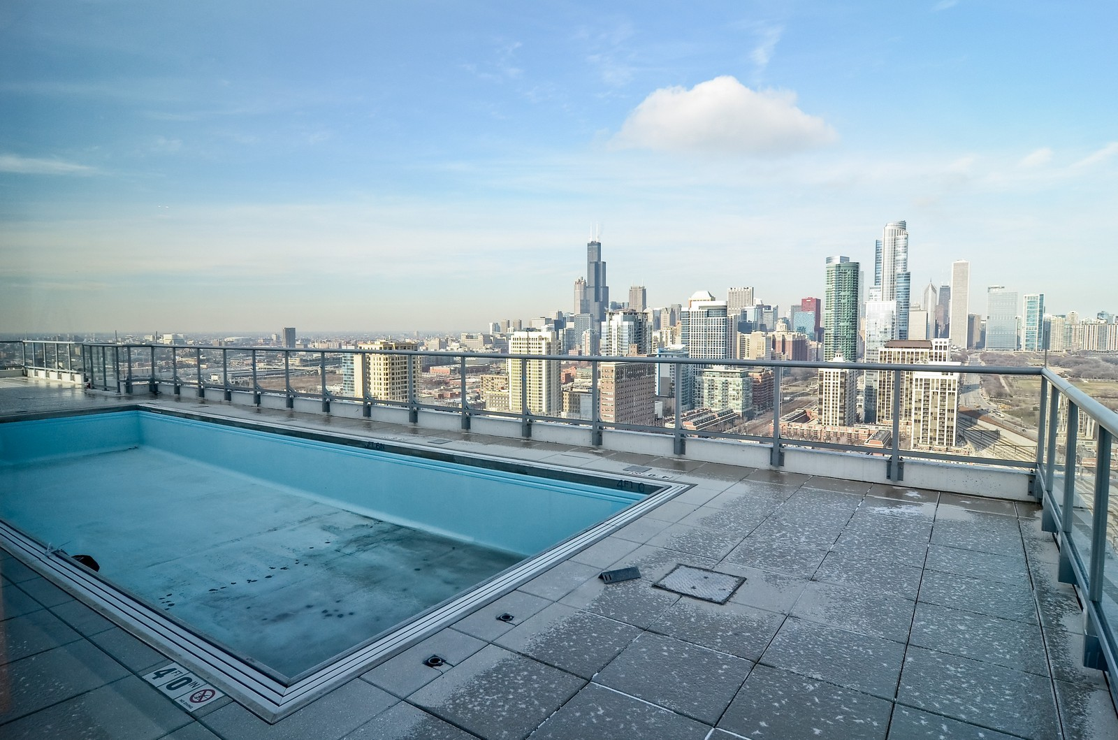 Real Estate Photography - 1629 S. Prairie, 1401, Chicago, IL, 60616 - Pool