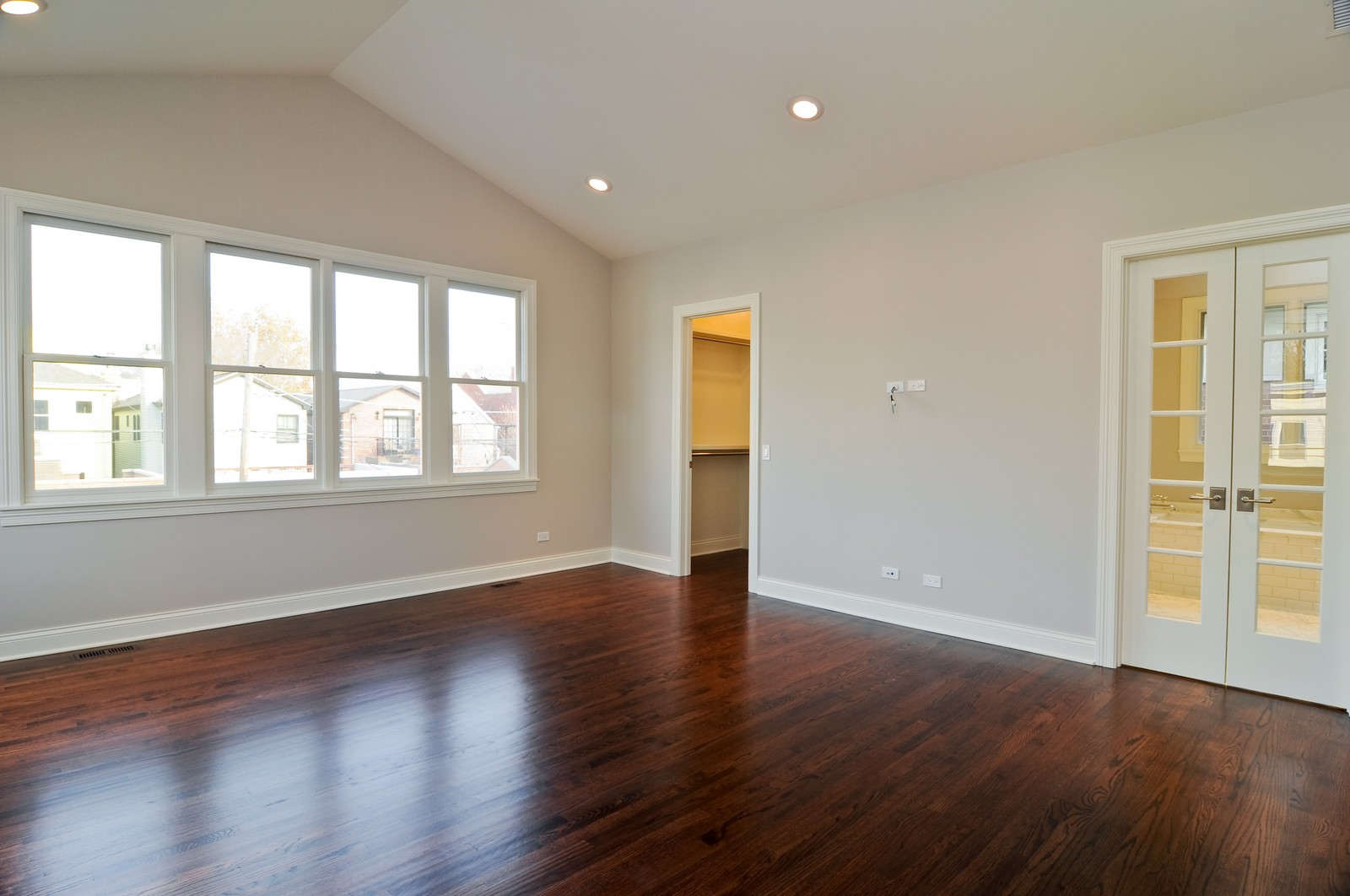 Real Estate Photography - 3845 N Paulina St, Chicago, IL, 60613 - Master Bedroom