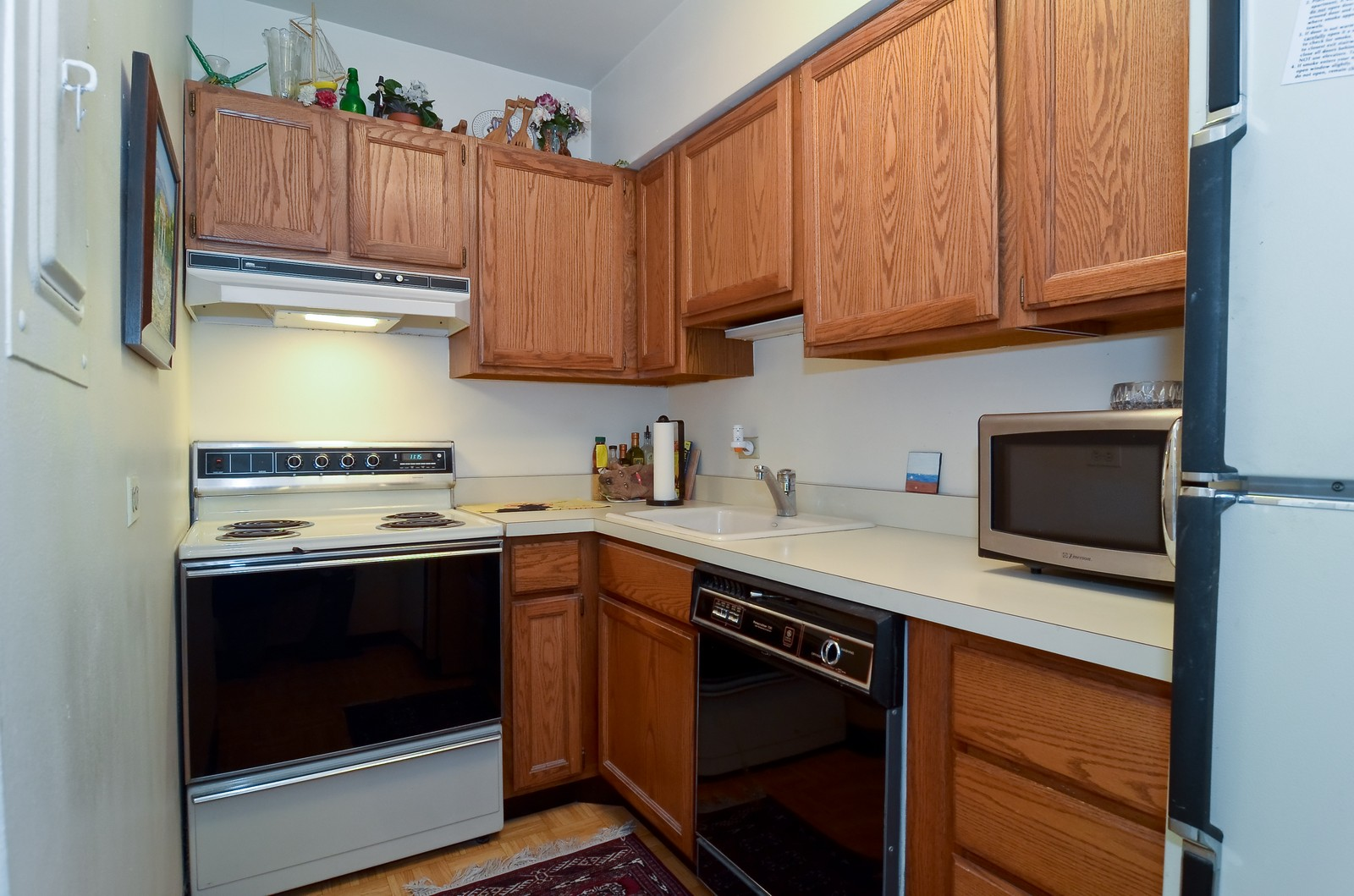 Real Estate Photography - 1550 N Lakeshore Dr, Unit 2E, Chicago, IL, 60610 - Kitchen
