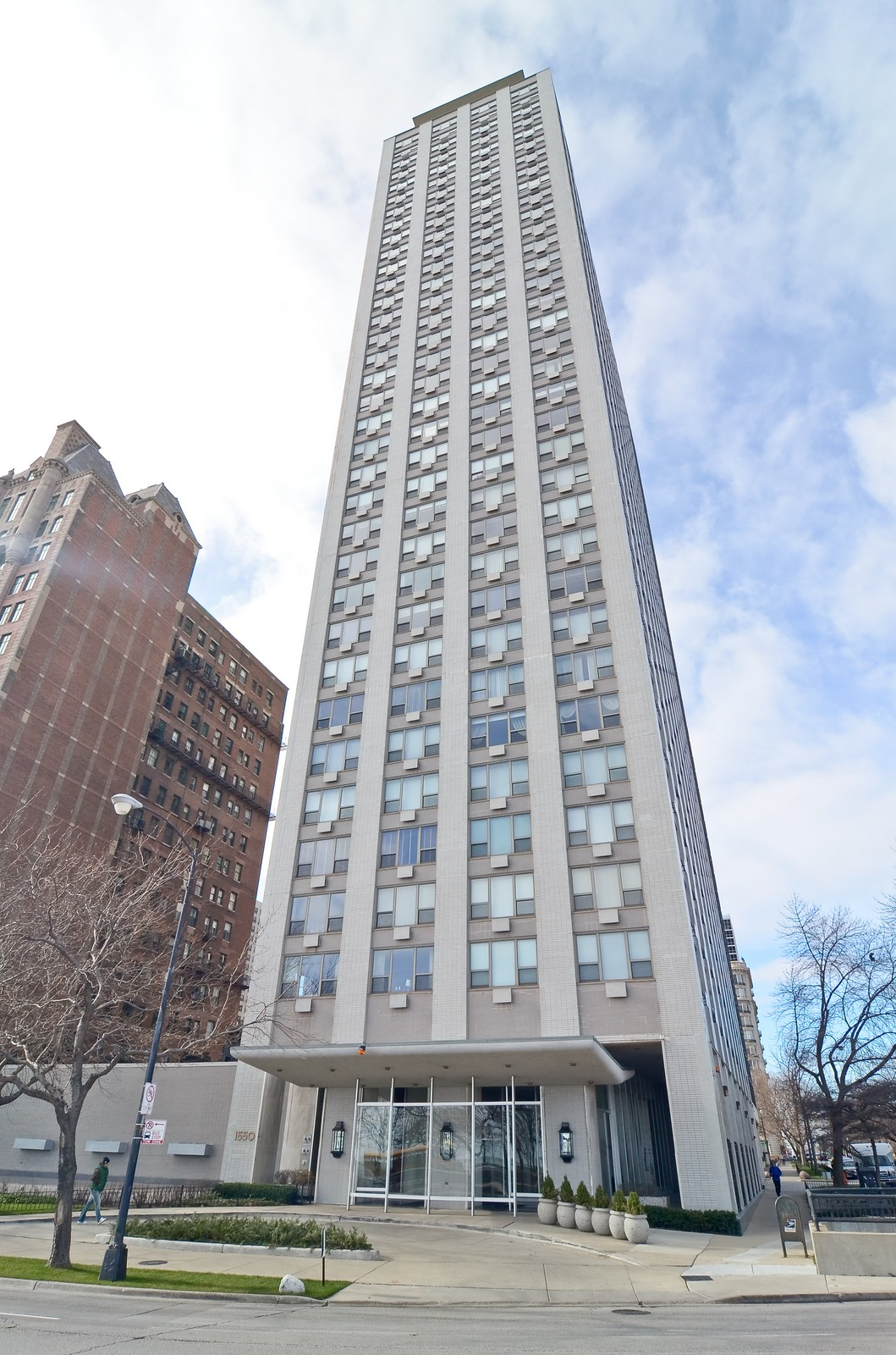 Real Estate Photography - 1550 N Lakeshore Dr, Unit 2E, Chicago, IL, 60610 - Front View