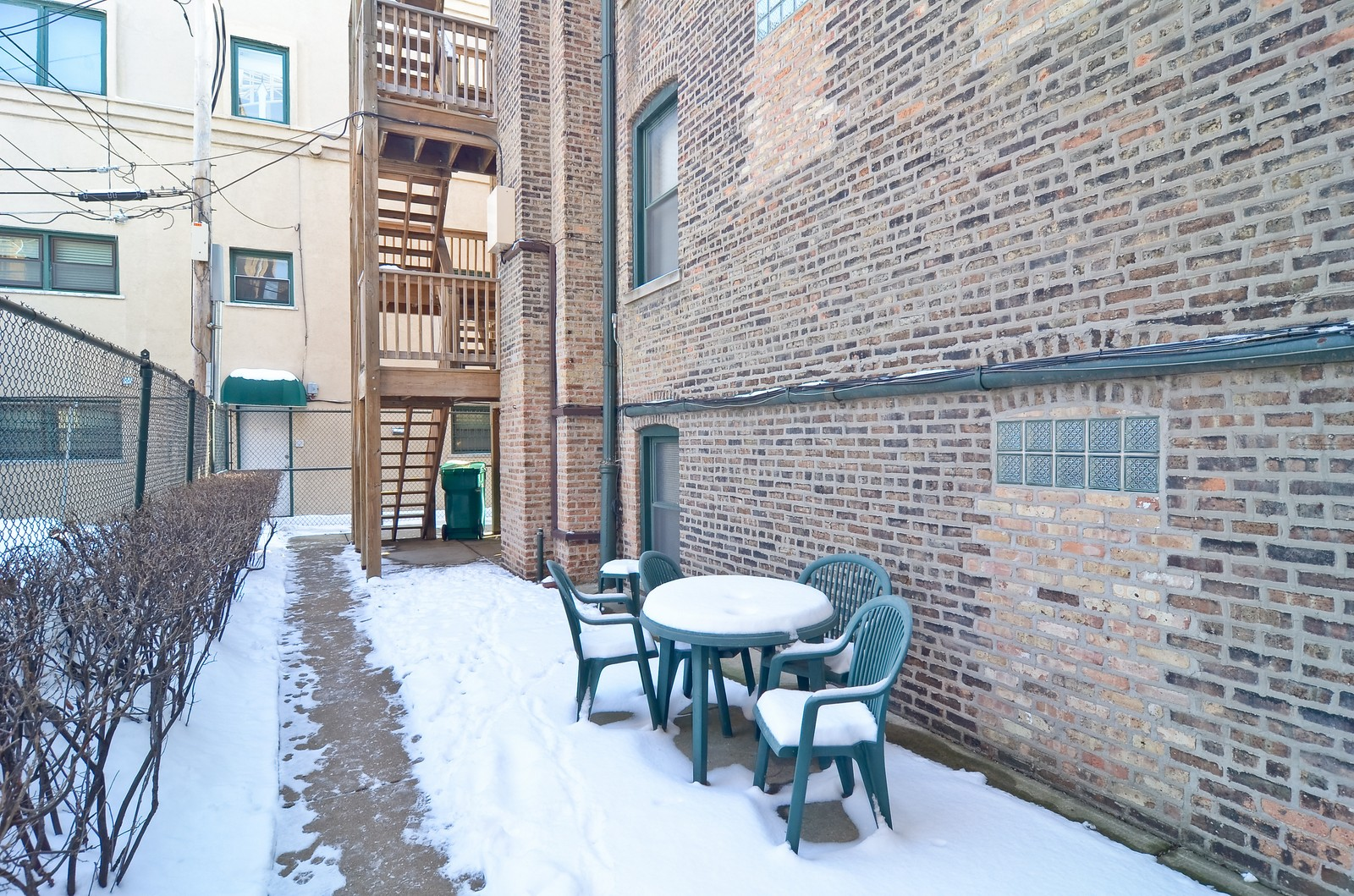 Real Estate Photography - 1154 W. Lill, 3, Chicago, IL, 60614 - Patio