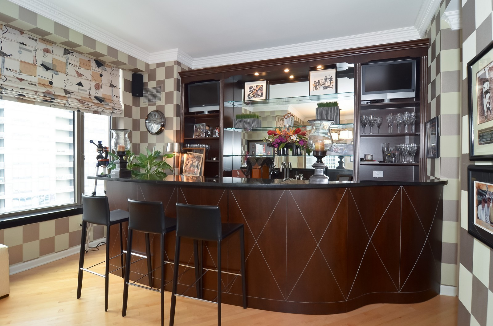 Real Estate Photography - 530 N Lake Shore Drive, Unit 2800, Chicago, IL, 60611 - Bar