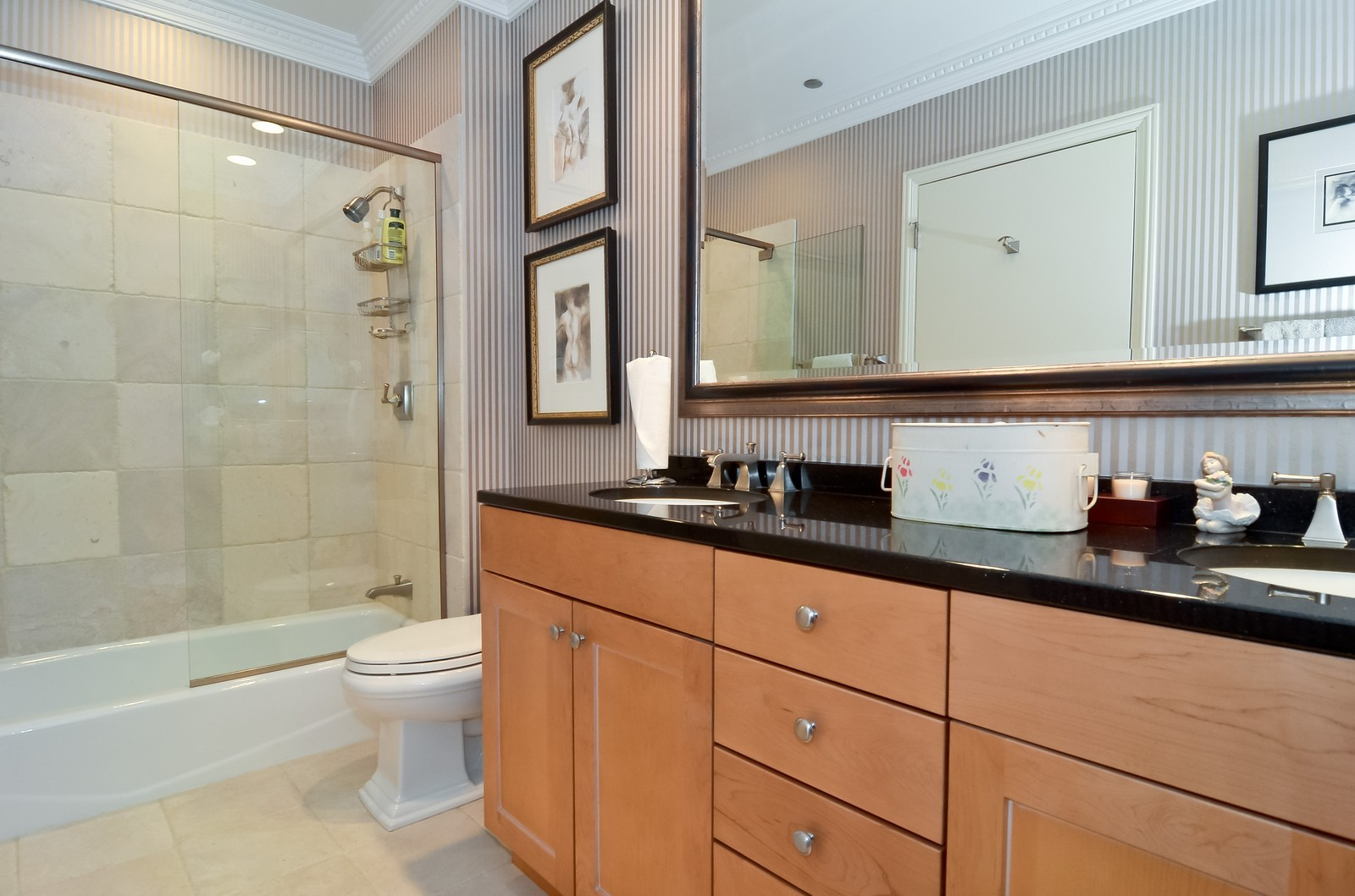 Real Estate Photography - 530 N Lake Shore Drive, Unit 2800, Chicago, IL, 60611 - 2nd Bathroom