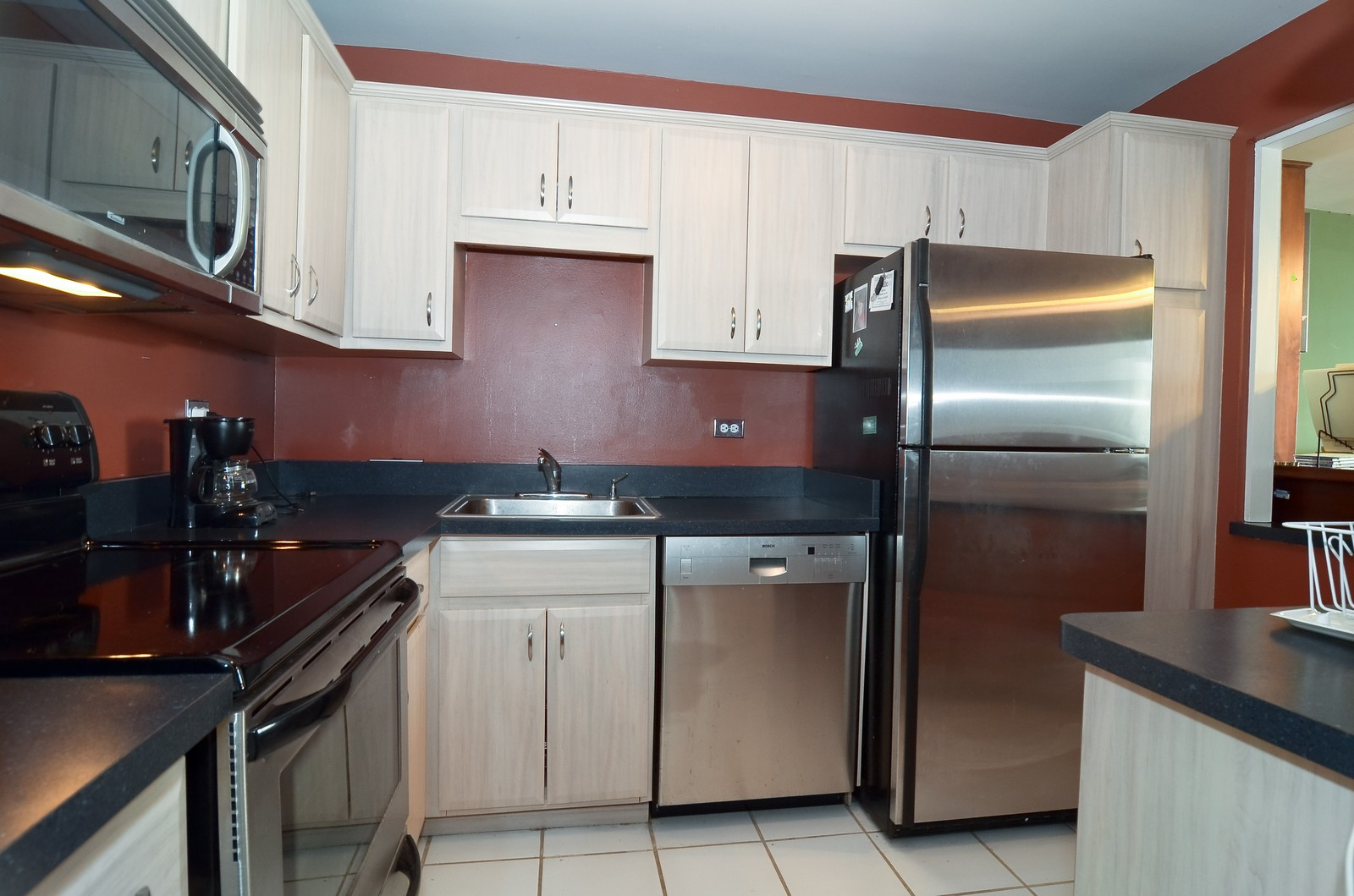 Real Estate Photography - 2650 N. Lakeview, 4205, Chicago, IL, 60614 - Kitchen