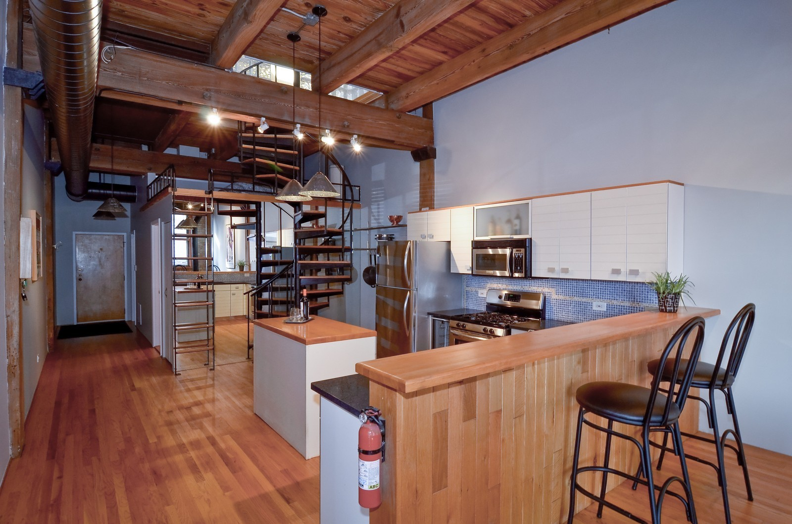 Real Estate Photography - 2435 N. Sheffield, 9, Chicago, IL, 60614 - Kitchen / Breakfast Room