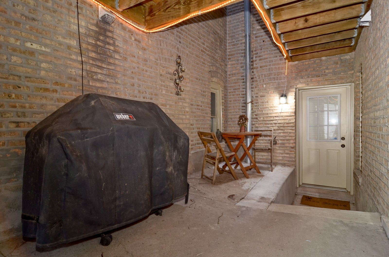 Real Estate Photography - 4901 N. Leavitt, 1B, Chicago, IL, 60625 - Patio