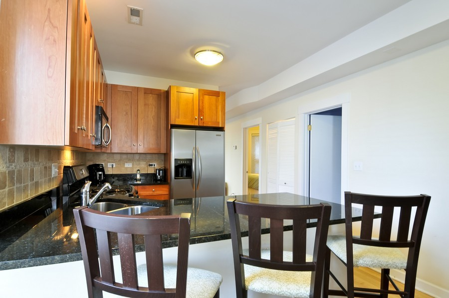 Real Estate Photography - 2420  Southport Ave, Unit 1R, Chicago, IL, 60614 - Kitchen