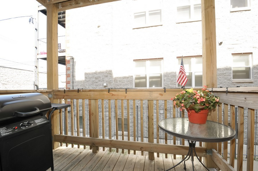 Real Estate Photography - 2420  Southport Ave, Unit 1R, Chicago, IL, 60614 - Deck