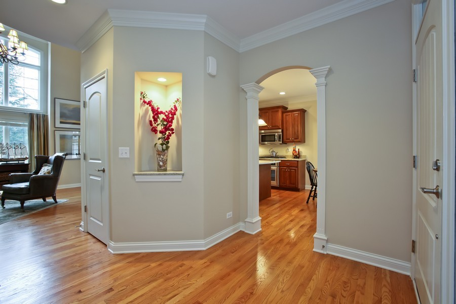 Real Estate Photography - 5613 Durand, Downers Grove, IL, 60515 - Foyer