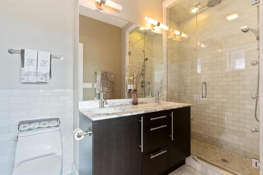 Real Estate Photography - 1543 N Bosworth, Unit #3, Chicago, IL, 60642 - Master Bathroom