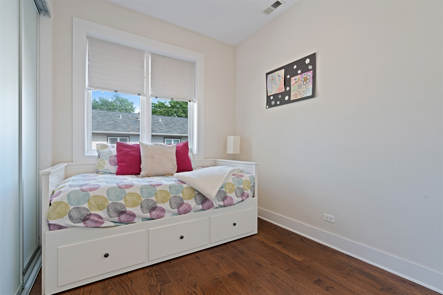 Real Estate Photography - 1543 N Bosworth, Unit #3, Chicago, IL, 60642 - 2nd Bedroom