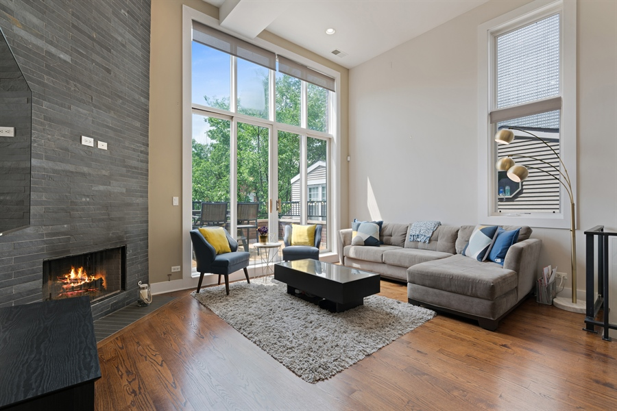Real Estate Photography - 1543 N Bosworth, Unit #3, Chicago, IL, 60642 - Living Room