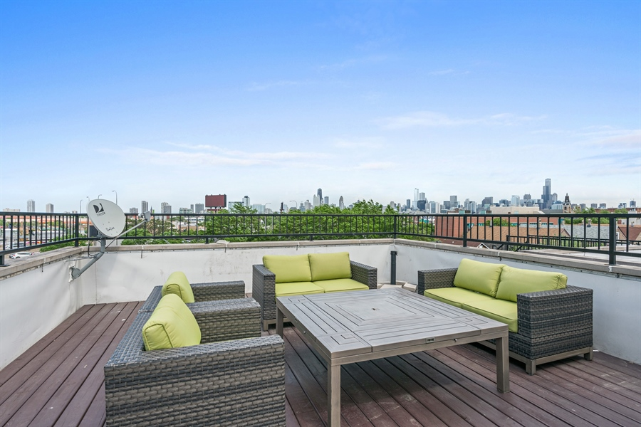Real Estate Photography - 1543 N Bosworth, Unit #3, Chicago, IL, 60642 - Roof Deck