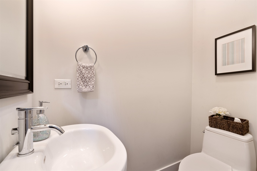 Real Estate Photography - 1543 N Bosworth, Unit #3, Chicago, IL, 60642 - Powder Room