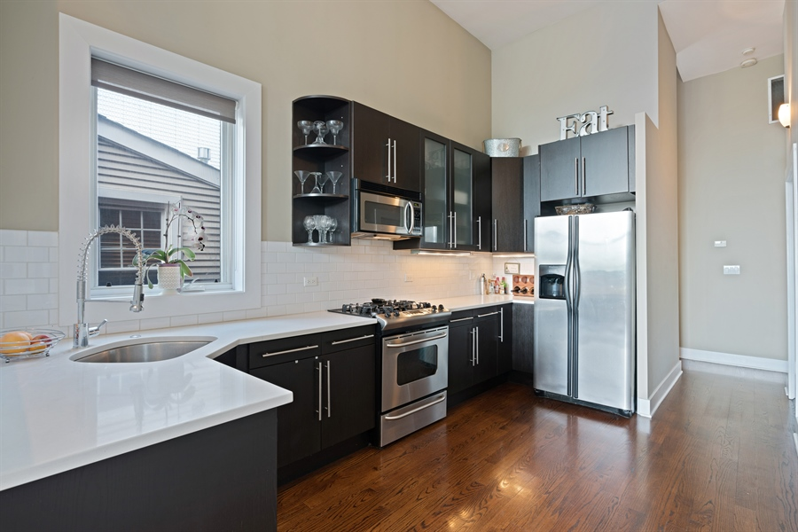 Real Estate Photography - 1543 N Bosworth, Unit #3, Chicago, IL, 60642 - Kitchen