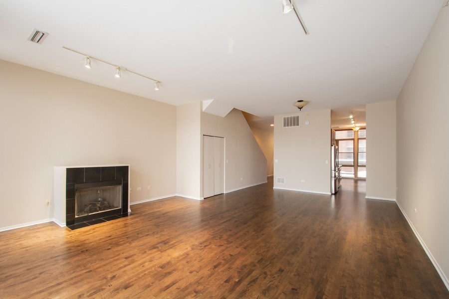 Real Estate Photography - 324 N Jefferson St, Unit #307, Chicago, IL, 60661 - Living Room