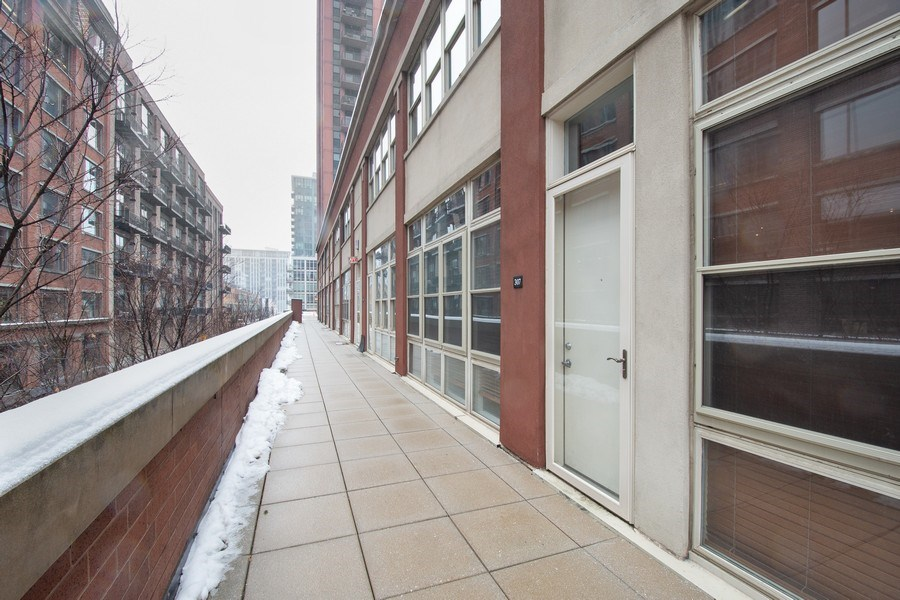 Real Estate Photography - 324 N Jefferson St, Unit #307, Chicago, IL, 60661 - Front View