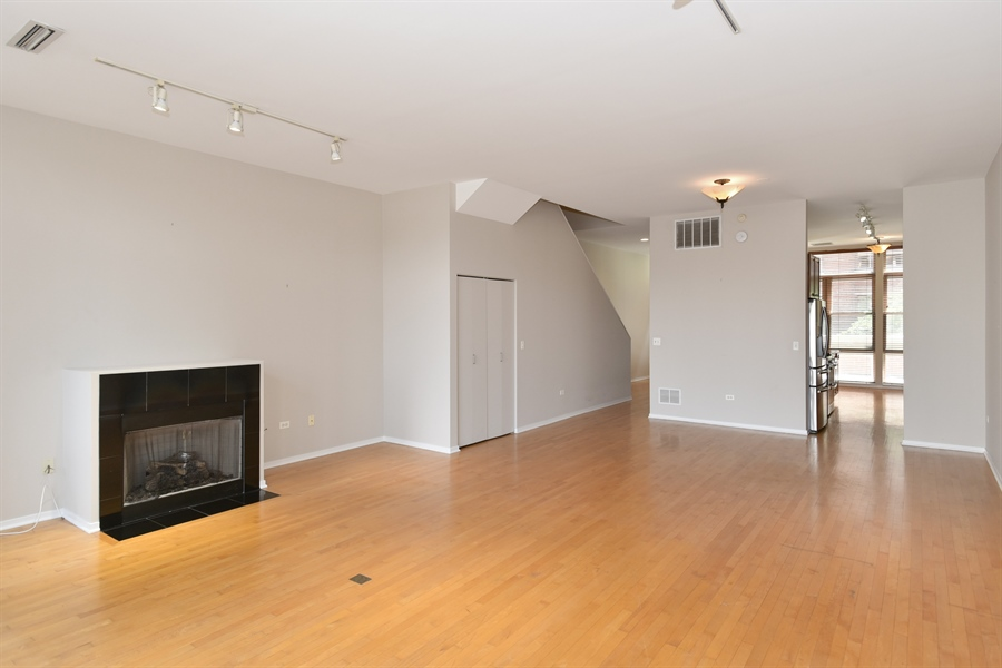 Real Estate Photography - 324 N Jefferson St, Unit #307, Chicago, IL, 60661 - Living Room/Dining Room