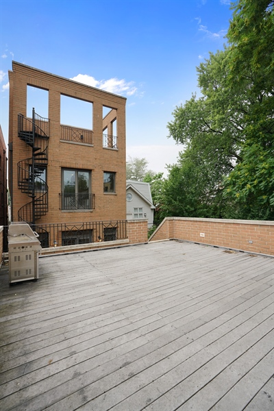 Real Estate Photography - 2335 N. Southport, Chicago, IL, 60614 - Deck