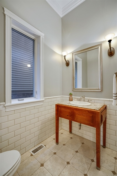 Real Estate Photography - 2335 N. Southport, Chicago, IL, 60614 - Bathroom